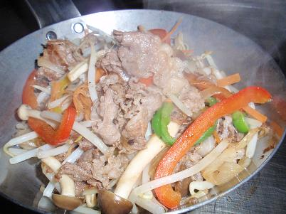 うす切り肉と野菜炒め.JPG