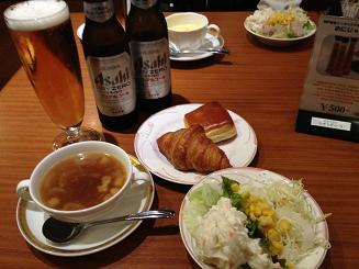 シャングリ・ラ様 野菜・スープ・パン.JPG
