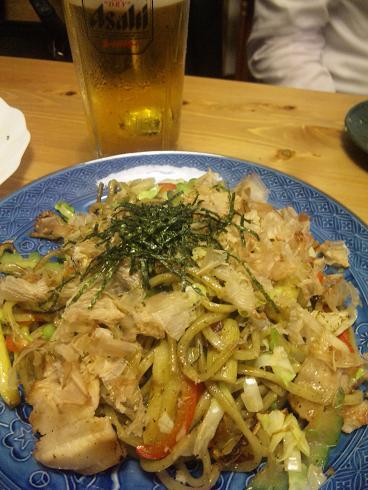 沖永良部の島料理 次郎様 グアバの葉っぱ入り焼きそば.JPG