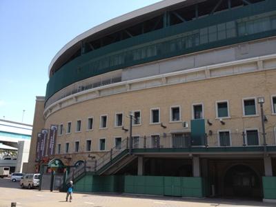 阪神甲子園球場2013年 外観.jpg