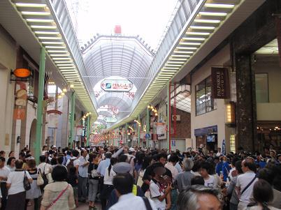 2010元町夜市 人たち.JPG