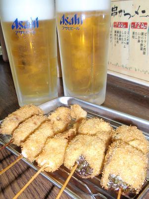 生ビールと串カツ各種.JPG