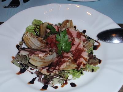 淡路風イタリア料理 ローストした淡路玉ねぎと鴨肉のサラダ添え.JPG